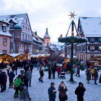 Kirchliche Feste Gengenbach Adventsmarkt Winter