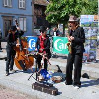 Elsaessische Weinstrasse Strassenmusikanten