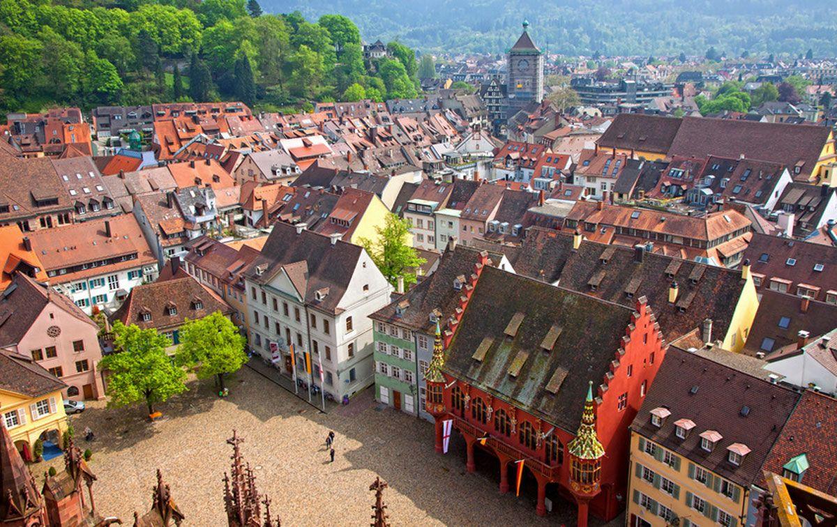 Freiburg Münsterplatz Luftansicht